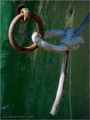 BLOG-P6099698-anneau amarrage bateau vert