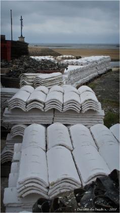 BLOG-P7090133-tuiles chaulées port Larros