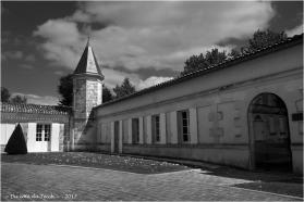 BLOG-P7110183-chateau Malescasse N&B