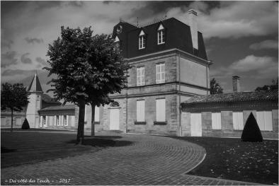 BLOG-P7110184-chateau Malescasse N&B