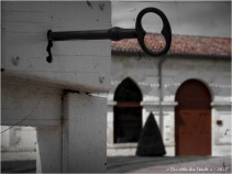 BLOG-P7110191-clé chateau Malescasse N&R PA03