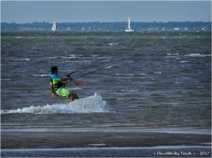 BLOG-P8050849-kitesurfer le Canal
