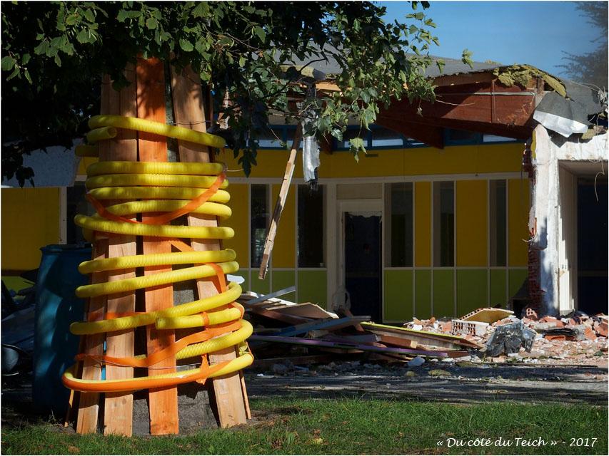 blog-p9272191-chantier-demolition-ecole-maternelle-le-delta-le-teich.jpg