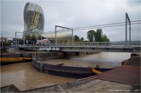 BLOG-DSC_41464-cité du vin et fermeture écluse et pont tournant bassins à flot Bordeaux