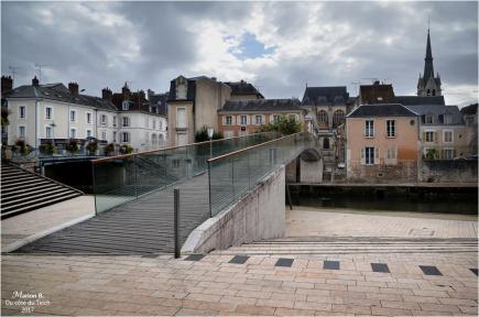 BLOG-DSC_41805-passerelle canal de Briare Montargis