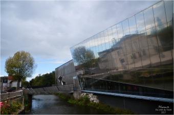 BLOG-DSC_41881-médiathèque Montargis et reflet salle des fêtes