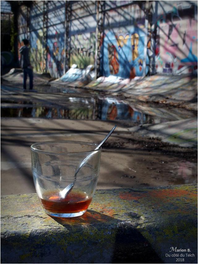 blog-p2021017-verre-et-taggueur-caserne-niel-bdx.jpg