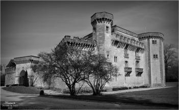 BLOG-DSC_43741-2-château Lamarque N&B
