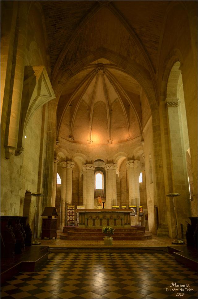 BLOG-DSC_44052-église St Pierre de Vertheuil