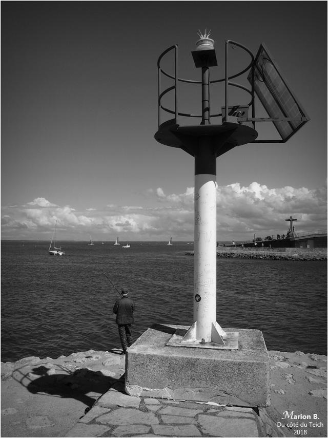 BLOG-P4141503-pêcheur port Arcachon N&B