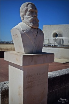 BLOG-DSC_44552-buste Frédéric Garnier maire Royan
