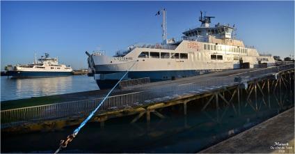 BLOG-DSC_44661-62-bacs l'Estuaire et la Gironde port Bloc le Verdon