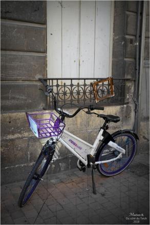 BLOG-DSC_44856-vélo Indigo et cadre appui de fenêtre PA03C