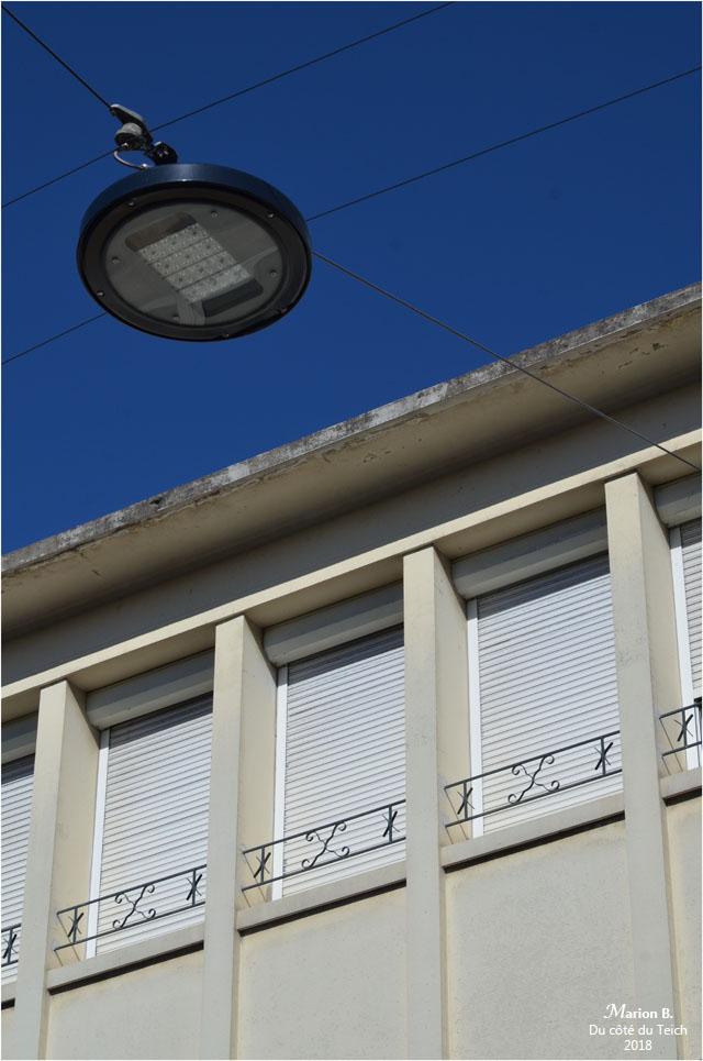 BLOG-DSC_44893-volets clos et lanterne de rue