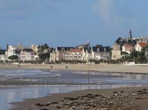 ROYAN - La plage et les villas de la Grande Conche