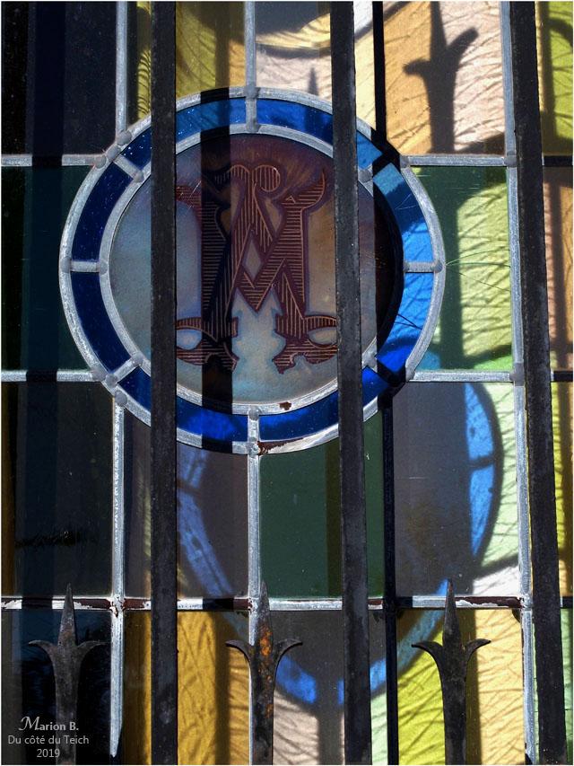 BLOG-P9132454-grille et vitrail basilique ND Arcachon