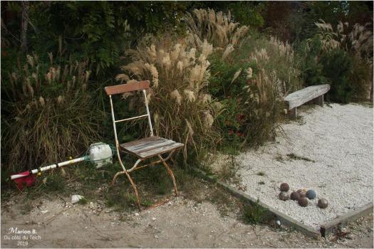 BLOG-PA082857-chaise banc et boulodrome