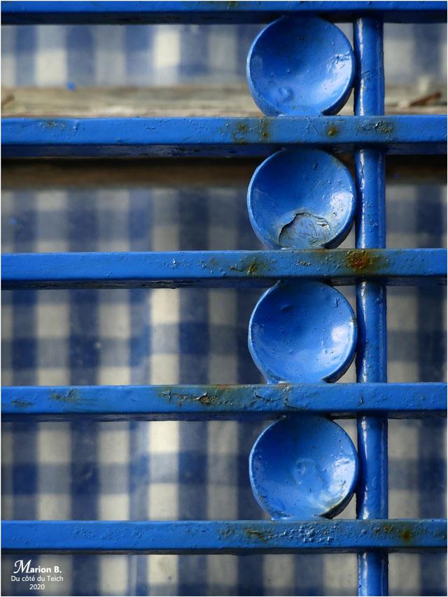 BLOG-P1010043-fenêtre cabane