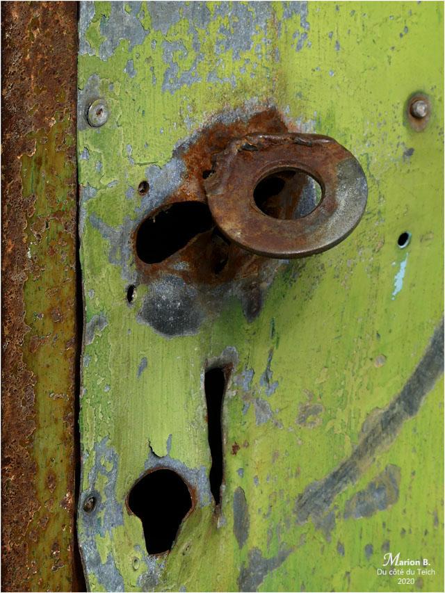 BLOG-P1020661-2-porte verte rouillée