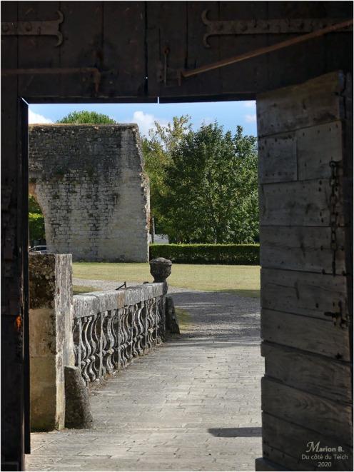 BLOG-P1040472-château Cazeneuve 33